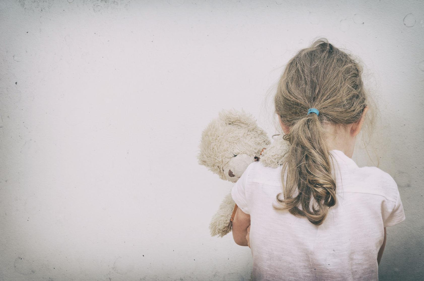 niña victima de violencia