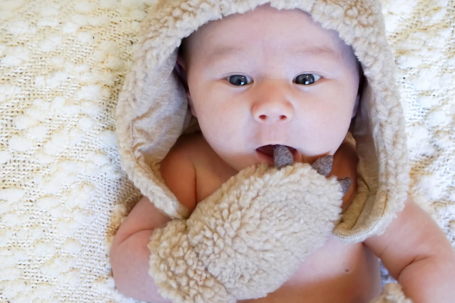 manoplas al bebé