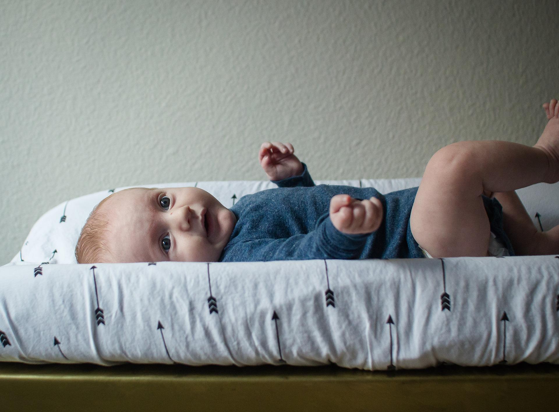 bebé no hace pis